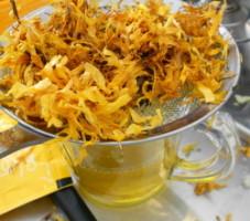 Marigold infusion use